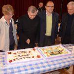 2013-4-28 padre matteo DSC_0278 taglio torta